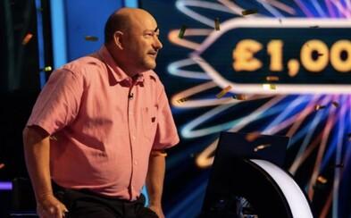 Učitel dějepisu vyhrál milion liber ve znalostní show rok poté, co si jeho bratr z relace odnesl domů půl milionu