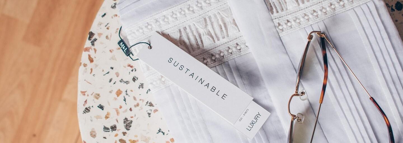 Udržateľnosť je trendy. Inšpiruj sa skvelými outfitmi a značkami, ktoré myslia na planétu