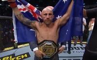 UFC má za sebou ďalší poriadne krvavý a ostrý titulový boj na päť kôl. Opasok ostáva šampiónovi, ušiel z troch pokusov o submisiu