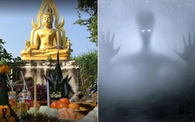 UFO nadšenci cestují do Thajska k soše Buddhy. Prý je to červí díra a mimozemšťané ji používají k cestování dimenzemi