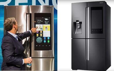 Ukáže ti, čo ti doma chýba, keď budeš v obchode. Na novej chladničke od Samsungu si pustíš aj hudbu či fotky
