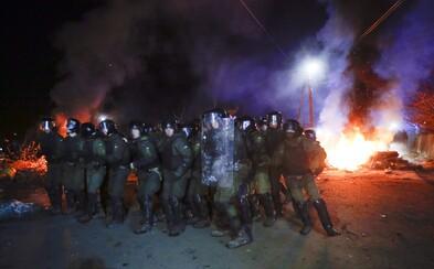 Ukrajinci napadli autobus s vlastnými krajanmi evakuovanými z Číny. Dôvodom bol podvodný e-mail o koronavíruse
