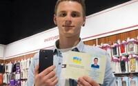 Ukrajinec sa premenoval na iPhone Sedem. Jeden vďaka tomu vyhral a teraz si ho nevie vynachváliť