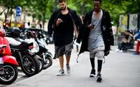 Ulice hlavného mesta módy opäť zaplavilo obrovské množstvo ľudí s vycibreným vkusom a štýlom, pričom nechýbali ani Rick Owens alebo Nick Wooster