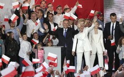 Ultrakonzervativní národovec Duda vyhrál prezidentské volby v Polsku. LGBT označil za ideologii a větší zlo než komunismus