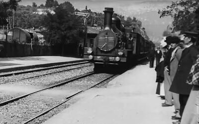 Umělá inteligence vylepšila jeden z prvních filmů na světě z roku 1895. Výsledek ti vyrazí dech