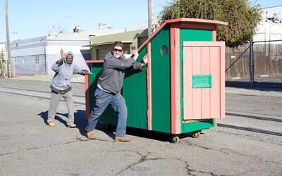 Umelec z odpadkov vytvára mobilné domy pre bezdomovcov