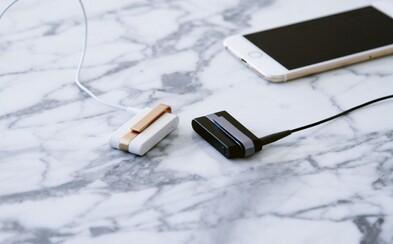 Univerzálna spona premení káblové slúchadlá na bezdrôtové. Zapojte do nej reproduktory a ovládajte ich na diaľku