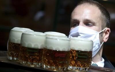 Univerzita Karlova bude mít vlastní pivo. Matfyzáci budou chodit na πvO