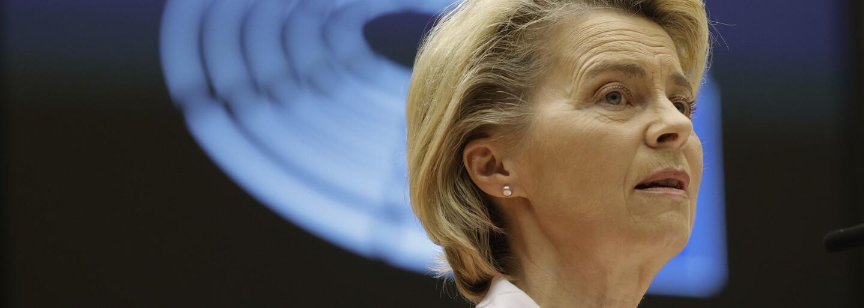 """Ursula von der Leyen reaguje na sexistický problém se sezením v Turecku. """"Stalo by se mi to, kdybych měla sako a kravatu?"""""""