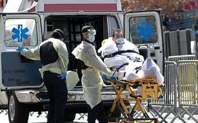 USA zaznamenaly smutný rekord, za posledních 24 hodin zemřelo na koronavirus téměř 2 000 lidí