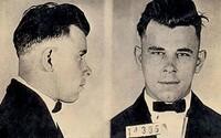 Útěk z vězení s dřevěnou pistolí, obdiv veřejnosti a plastická operace. Bankovní lupič John Dillinger žil nesmírně divoký život