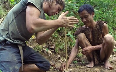 Utiekli pred vojnou a 41 rokov strávili hlboko v džungli v úplnej izolácii, až kým ich nenašli. Teraz sa vrátili späť