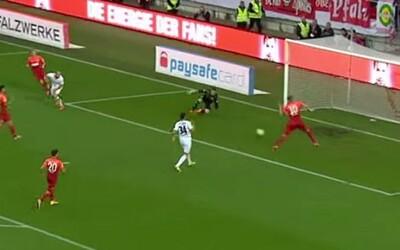 Útočník Kaiserslauternu, Philipp Hofmann, prekonal Torresa a zahodil naozaj nemožné