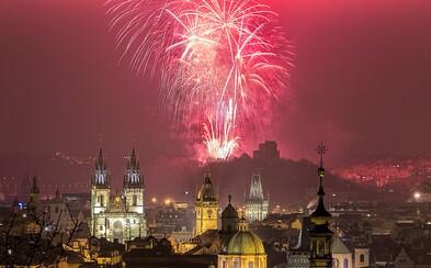 Už víte, odkud budete sledovat oslavy Nového roku? Vybrali jsme 5 nejlepších výhledů v Praze