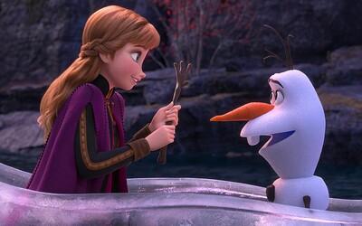 V Anglicku sa na premiére Frozen 2 bili deti s mačetami. Zatknuté bolo aj 13-ročné dievča