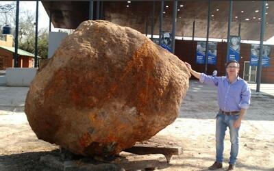 V Argentíne objavili obrovský 30-tonový meteorit. Ukrýval sa pod zemou a v rebríčku veľkosti by mu mala patriť druhá priečka