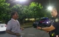V Atlante policajti zastrelili ďalšieho Afroameričana. Protestujúci preto zapálili reštauráciu a obsadili diaľnicu