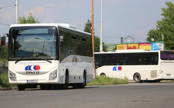 V banskobystrickej župe nepremáva asi 120 spojov, desaťtisíce Slovákov prišlo o autobusovú dopravu