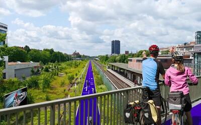 V Berlíne vyrastie 13 diaľníc pre cyklistov. Platiť na nich budú aj špeciálne dopravné pravidlá