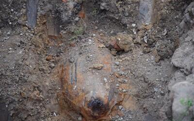 V Bidovciach našli 100-kilogramovú bombu a museli evakuovať dedinu. Pochádza z druhej svetovej vojny