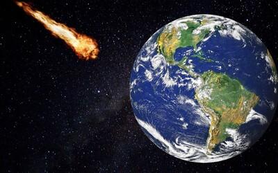 V blízkosti Země proletěl obrovský asteroid. Má rozměry jako největší egyptská pyramida