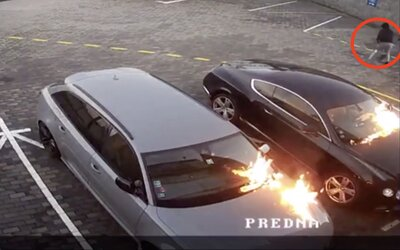 V Bratislave niekto podpálil luxusné Bentley a Audi RS 6. Páchateľ spôsobil škodu v hodnote 160 000 €