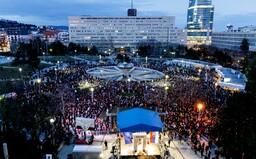 V Bratislave prišlo na zhromaždenie Za Jána a Martinu odhadom 7 000 až 8 000 ľudí