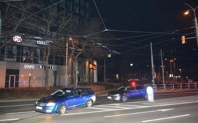 V Bratislave sa večer strieľalo pri divokej policajnej naháňačke. Šoféra však výstrely nezastrašili
