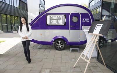 V Bratislave umiestnili prvú nabíjačku pre ľudí. Dobiť baterky si prišiel aj Sajfa