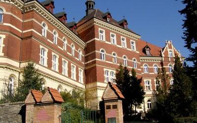 V Bratislave zatvoria základnú školu, ktorej žiaci boli v kontakte s nakazenými osobami