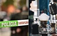 V bratislavskej kaviarni sa pobili dve ženy. Jedna druhú chytila za vlasy a udierala jej hlavu o sklenené dvere