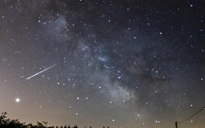 """V Británii spadol na príjazdovú cestu vzácny meteorit. Môže obsahovať """"ingrediencie života"""""""