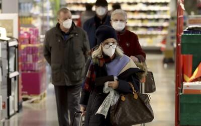 V Česku budú respirátory po novom povinné v obchodoch aj v aute, od marca ich musia ľudia nosiť všade