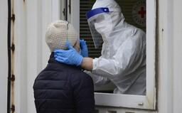 V Česku přibylo za úterý o 1 300 případů méně než před týdnem