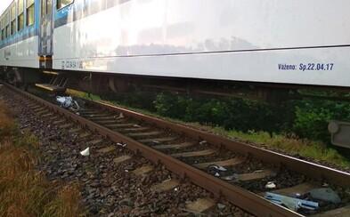 V Česku sa zrazil vlak s práčkou