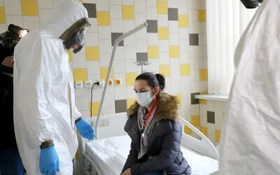 V Česku už je 925 lidí nakažených koronavirem (Aktualizováno)
