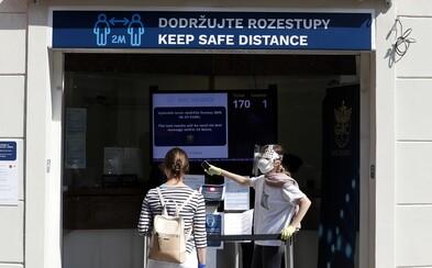 V Česku zomrel prvý lekár s koronavírusom. Aktuálne s nákazou bojuje 590 doktorov a vyše tisíc sestier