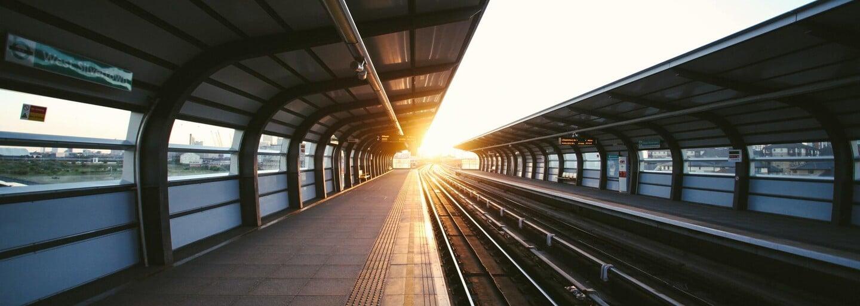 V Číne predstavili najrýchlejší dopravný prostriedok na pozemnú prepravu na svete. Magnetický vlak dokáže zrýchliť na 600 km/h