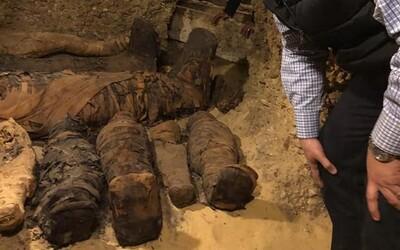 V Egyptě objevili tisíce let ukrytou hrobku s 50 mumiemi. Archeologové zdůrazňují její důležitost