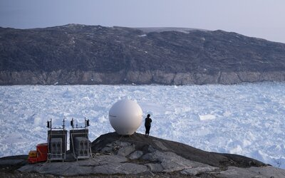V Grónsku prší na mieste, kde doteraz len snežilo. Klimatická kríza tu  výnimočne vyhnala teploty nad bod mrazu