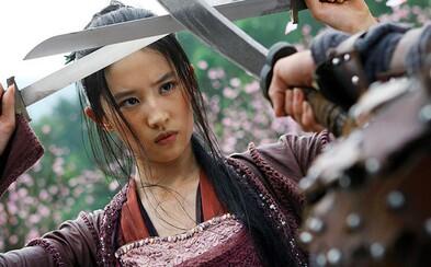 V hraném filmu Mulan od Disneyho si hlavní roli střihne Liu Yifei, která se objevila i po boku Jackieho Chana a Jet Liho