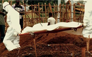 V ich krajine ebola zabila 11-tisíc ľudí. Škola im avšak pomohla chrániť sa a prežiť (Video)