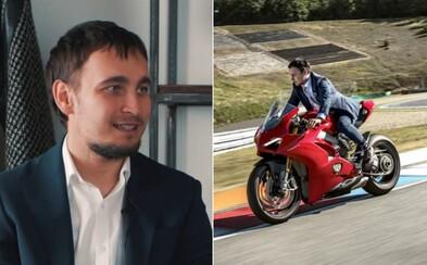 V Indianapolis jsem spadl z motorky a vykloubil si rameno. Riskovat se musí, říká jediný český zástupce v MotoGP Karel Abraham