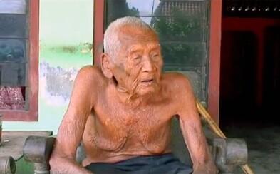 V Indonésii našli prý nejstaršího žijícího člověka. Mbah má 145 let a pravost datumu narození mu potvrdily i místní úřady