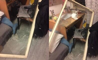 V internátnej izbe na Mlynoch vietor vytrhol okno a takmer zranil dvojicu študentiek