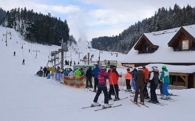 V Jasnej sa od budúceho týždňa začína znovu lyžovať. Na Chopku si môžeš vychutnať zjazdovky len s negatívnym testom