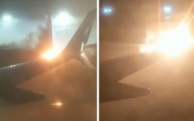 V Kanade sa stala bizarná nehoda. Priamo na letisku sa zrazili dve lietadlá, jedno začalo horieť
