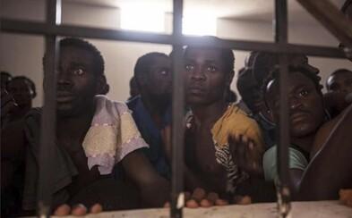 V Líbyi má ľudský život hodnotu 339 €. Moderní otrokári nútia zúfalých Afričanov do tvrdej práce bez odmeny
