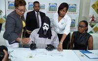 V lotérii vyhral 1 milión eur, ale pre šek si prišiel v hororovej maske, aby ho nespoznala rodina ani kamaráti